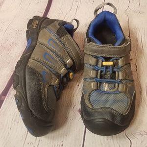 Keen sneakers 11